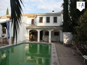 5 Bedroom Town House in Almedinilla