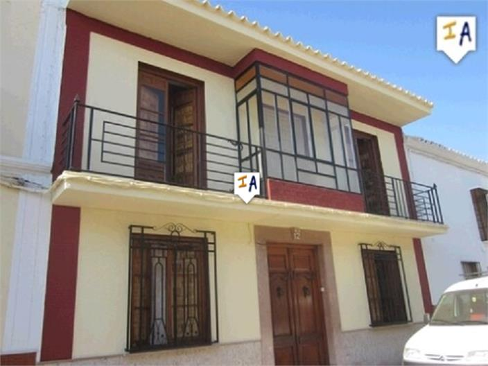 7 Bedroom Town House in Humilladero