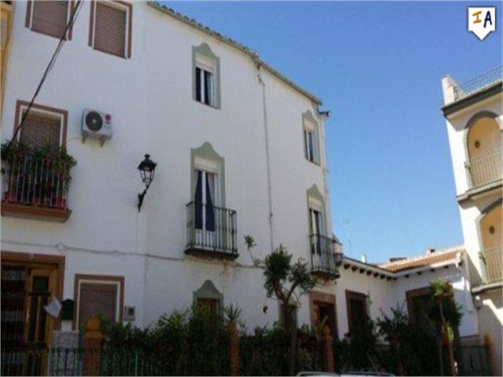 5 Bedroom Town House in Cuevas de San Marcos