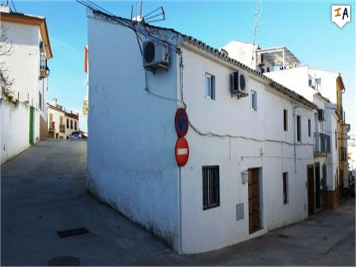 3 Bedroom Town House in Cuevas de San Marcos