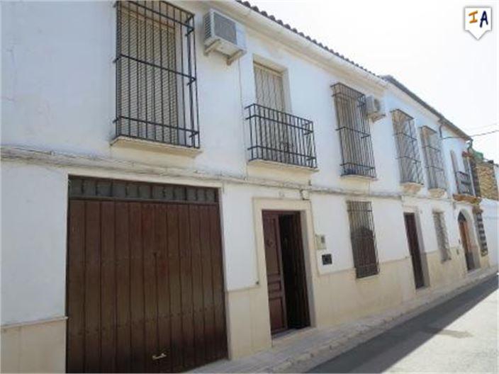 6 Bedroom Town House in Estepa