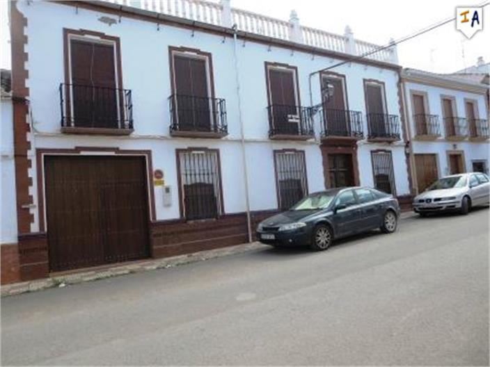 15 Bedroom Town House in Humilladero