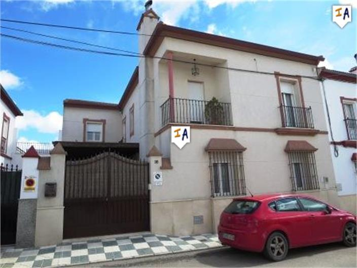 5 Bedroom Town House in El Saucejo