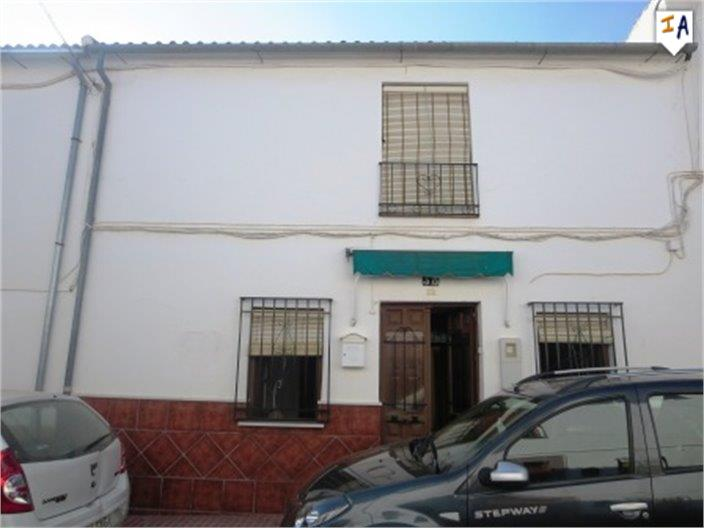 4 Bedroom Town House in Fuente de Piedra