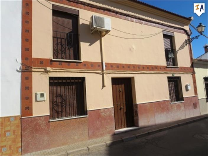 5 Bedroom Town House in Humilladero
