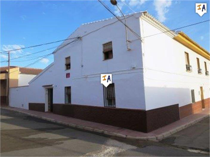 3 Bedroom Town House in Humilladero
