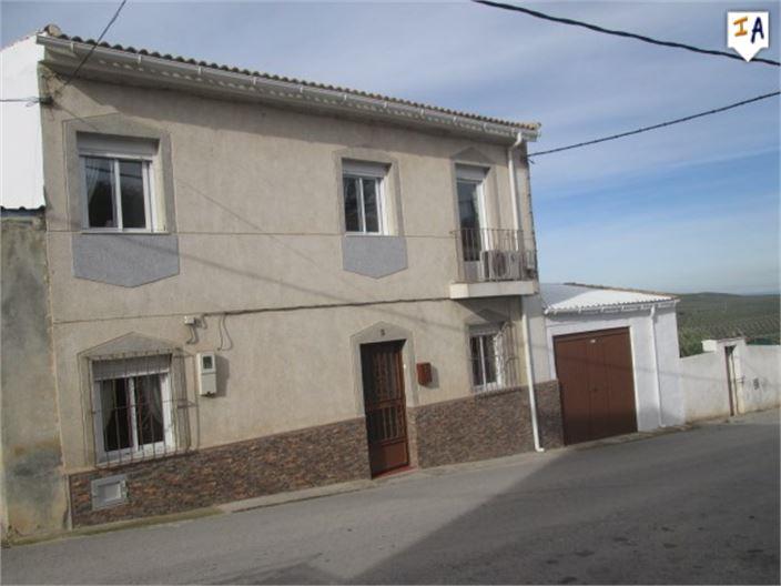 4 Bedroom Town House in Bobadilla de Alcaudete