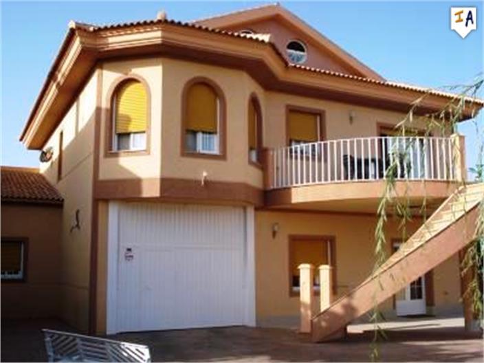 3 Bedroom Villa in Salinas